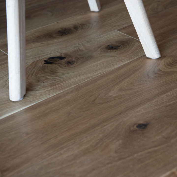 V4 Vittoria Collection VIT108 Oak Smoked 190 Rustic UV Oiled Bevelled Plank