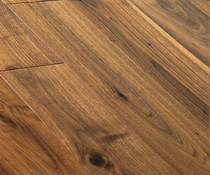 Brooks Floor - Blenheim Multi-Ply Oak Lacquered Character Grade M2001