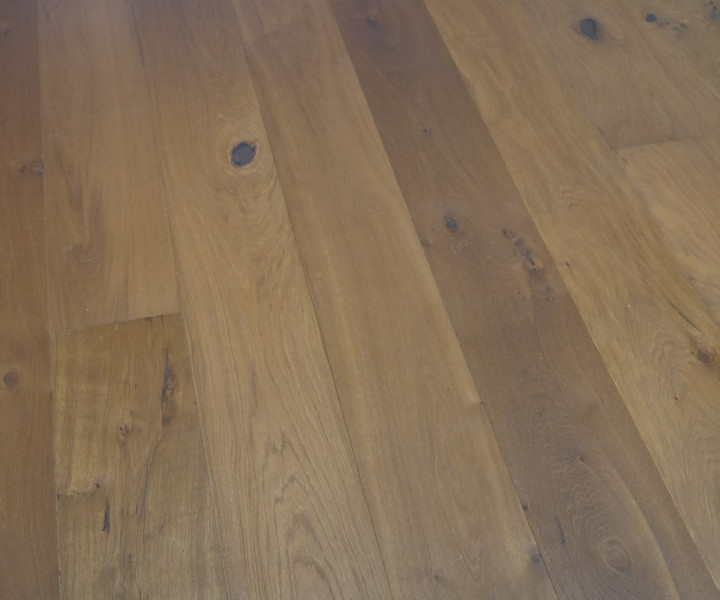 Engineered Smoked Oak 14/3 x 220 x 2,200mm Brushed & Oiled