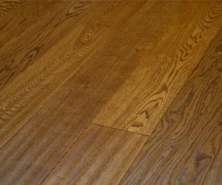 Mazzorbo Easy-Click Golden Handscraped Oak Floor